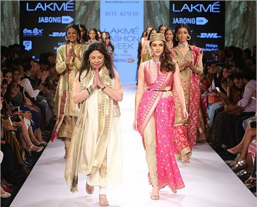 Ritu Kumar's Ethnic Wear Collection at LFW 2015