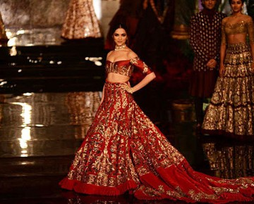 Deepika Padukone at India Couture Week 2016